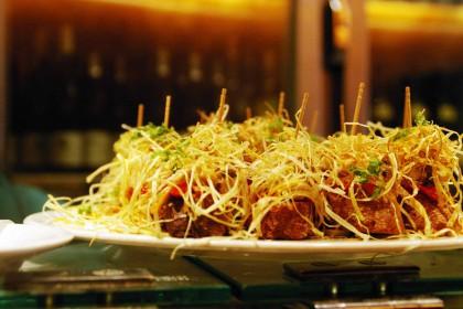 バルセロナの食事のヒトコマ。ちょっとずついろんな種類たべるのが楽しい。